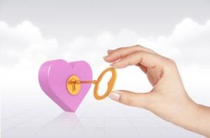 طرح لایه باز کلید قلب صورتی psd