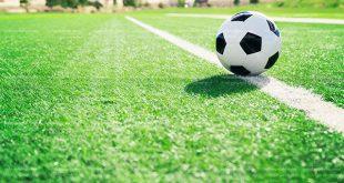 عکس توپ فوتبال روی خط