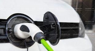 عکس بنزین زدن ماشین