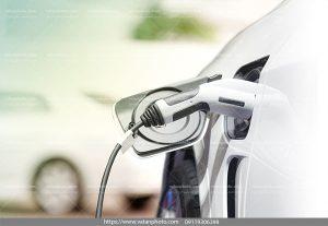 عکس شارژ اتومبیل برقی