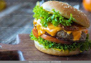 عکس ساندویچ همبرگر پنیر