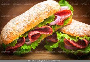 عکس ساندویچ کالباس کاهو
