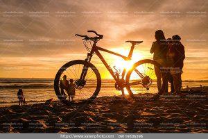 عکس دوچرخه ساحل شنی