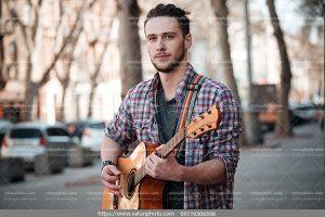 عکس گیتاریست حرفه ای