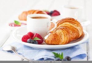 عکس صبحانه نسکافه شیرینی