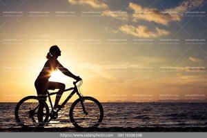 عکس دوچرخه سوار خانوم