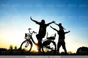 عکس دوچرخه سواری خانوادگی