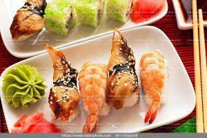 عکس خوراک سوشی شاه میگو