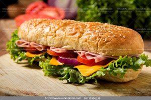 عکس ساندویچ کالباس ویژه