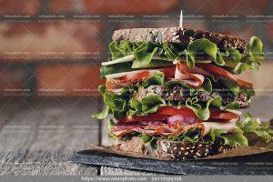 عکس ساندویچ کالباس دوبل