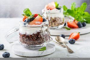 عکس صبحانه شکلات میوه ای