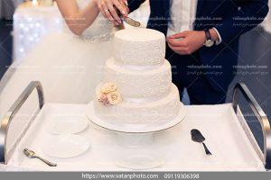 عکس برش کیک عروس و داماد